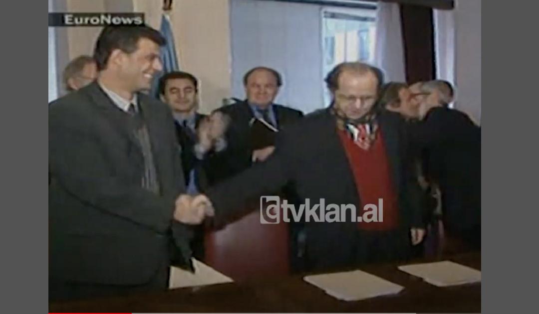Profesori i psikologjisë për dorështrëngimin e liderëve të Kosovës